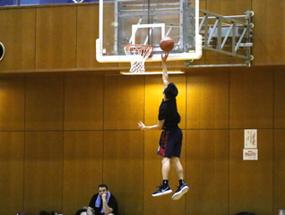 amazing basketball lay up