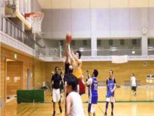 team playing basketball in osaka