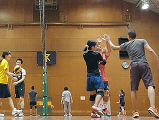 playing volleyball in osaka gym